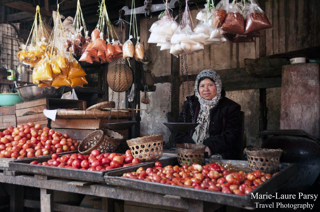 Market time in Kyaukme.