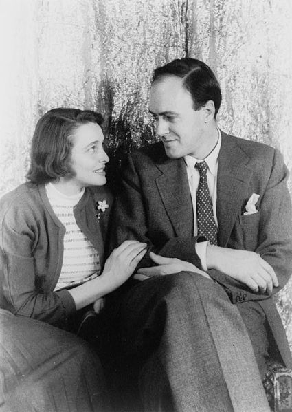 Dahl with wife Patricia Neal (photographed by Carl Van Vechten)