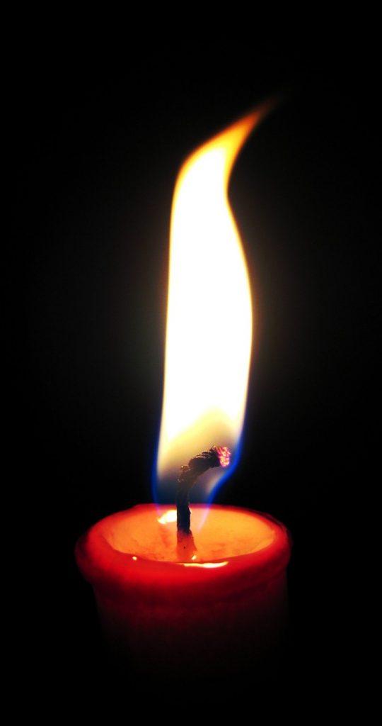 https://en.wikipedia.org/wiki/Flame#/media/File:Candleburning.jpg