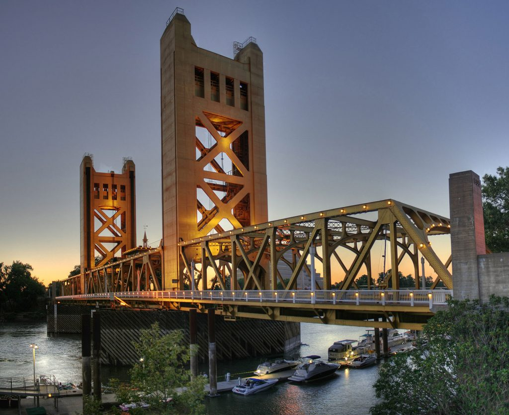 https://commons.wikimedia.org/wiki/Sacramento#/media/File:Tower_