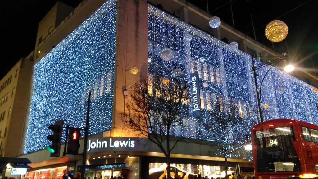 https://commons.wikimedia.org/wiki/File:John_Lewis_Christmas_Decorations_2016_Oxford_Street_London_United_Kingdom_2.jpg