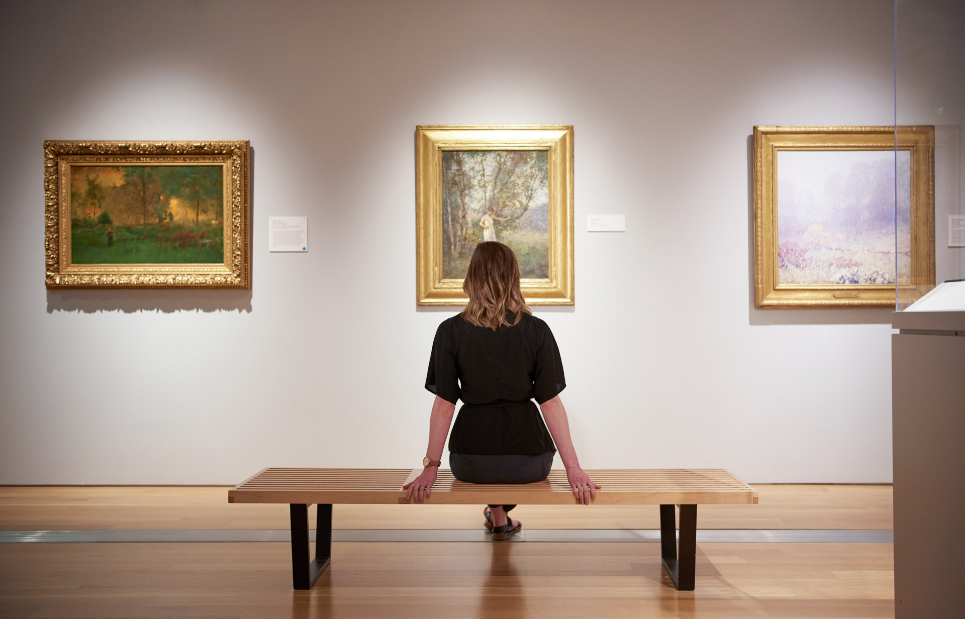 pergi ke art gallery